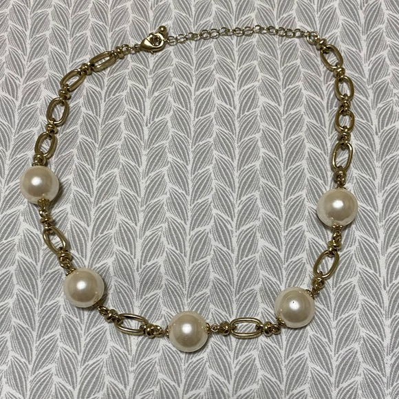Jewelry - Vintage Pearl & Gold Necklace
